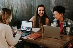 Jak personalizować emaile z pomocą dynamic content?