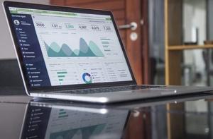 Zyskaj czas i wyniki – czyli automatyzacja kampanii Facebook i Google AdWords