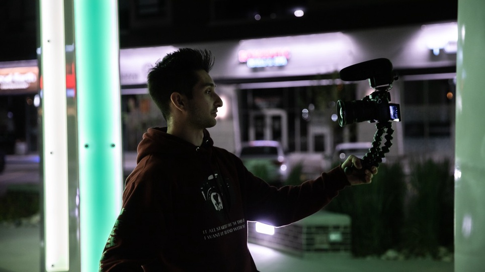 How to Start Vlogging in Seven Steps (and the Tools You Need)