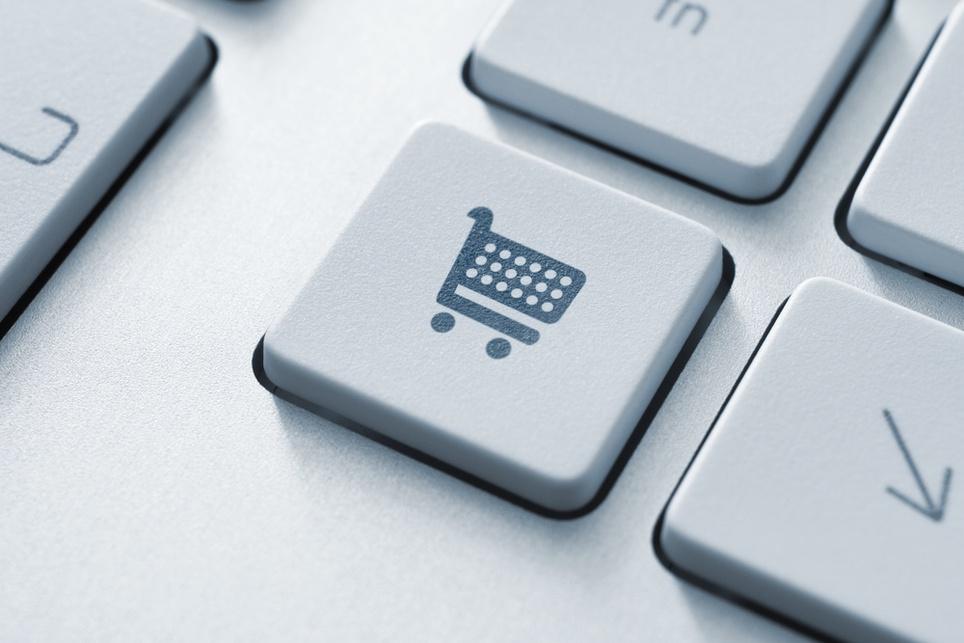Cross-selling czy up-selling? Sposoby na zwiększenie wartości koszyka w e-commerce