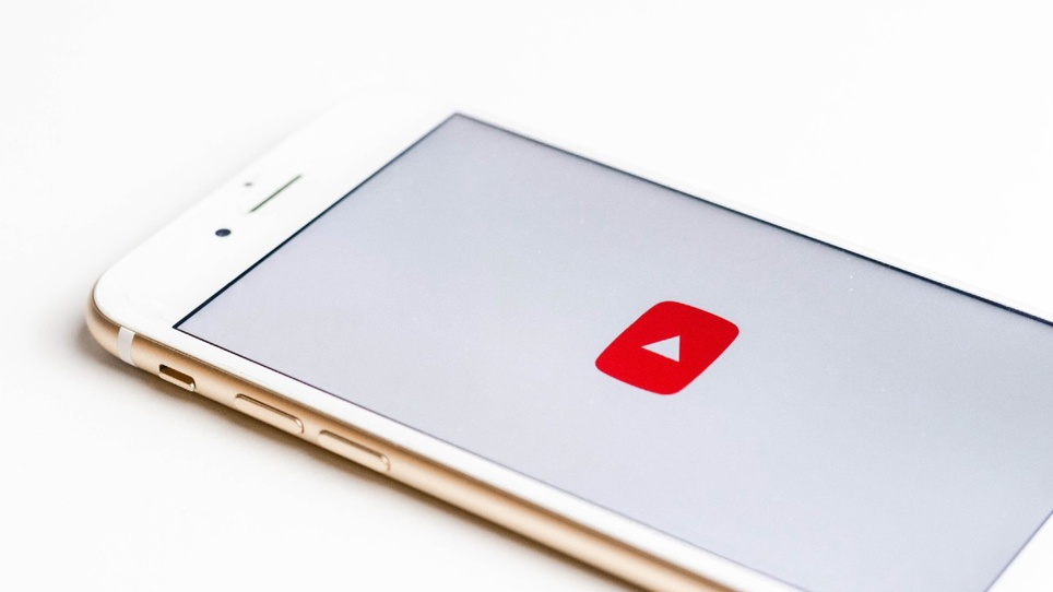 How to Send a Video Through Email: 4 Easy Steps