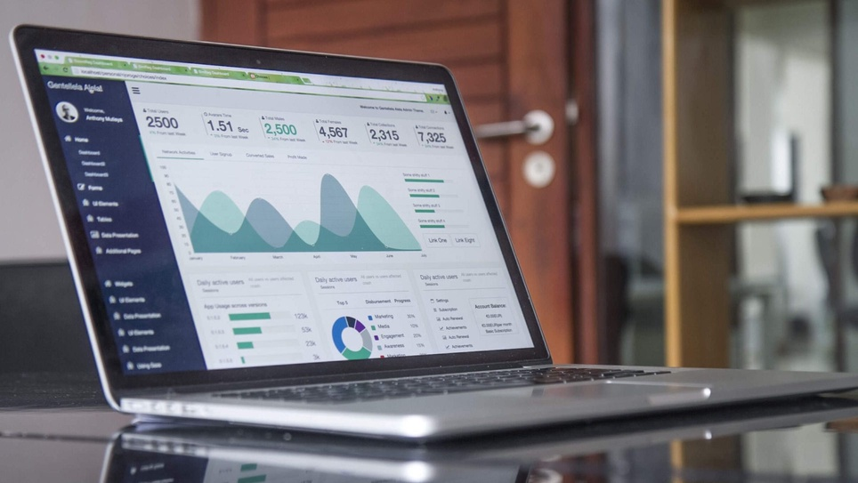17 Email Marketing Metrics & KPIs For Measuring Campaign Success